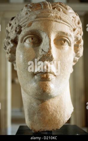 Sappho (630-570 BC). Greek lyric poet. Roman bust copied from a lost Hellenistic original. Izmir. 2th century AD. - Stock Photo