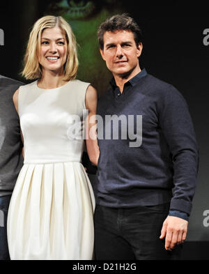 Rosamund Pike, Tom Cruise, Jan 09, 2013 : Actress Rosamund Pike(L) and actor Tom Cruise attend the press conference - Stock Photo