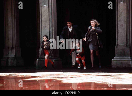 Tage Wie Dieser  One Fine Day  Maggie (Mae Whitman), Jack (George Clooney), Sammy (Alex D. Linz), Melanie (Michele - Stock Photo