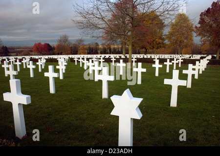 Rows of military graves in a American cemetery in Cambridge. - Stock Photo