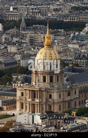 Les Invalides in Paris; L'Hôtel national des Invalides;  Hôtel des Invalides - Stock Photo