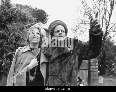 (dpa files) - German actor Klaus Kinski and actress Christiane Krueger pictured during the shooting of the Edgar Wallace movie 'A doppia faccia' ('Double Face'), 1969. An 'enfant terrible' of the film industry, Kinski's films include 'Buddy Buddy', 'For a Few Dollars More', as well as 'Aguirre, der Zorn Gottes' ('Aguirre: The Wrath of God') and 'Nosferatu: Phantom der Nacht' ('Nosferatu the Vampire'). Kinski was born on 18 October 1926 in Danzig, Germany (now Gdansk, Poland) under the name of Nikolaus Guenther Nakszynski and died on 23 November 1991 in Lagunitas, California, of a heart attack.