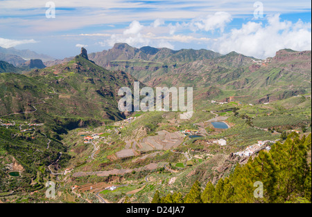 View towards Roque Bentayga near Tejeda village from ridge footpath near Cruz de Tejeda (1500m) on Gran Canaria. - Stock Photo