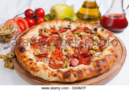 pizza with ham and green paprika stock photo royalty free image 57100032 alamy. Black Bedroom Furniture Sets. Home Design Ideas