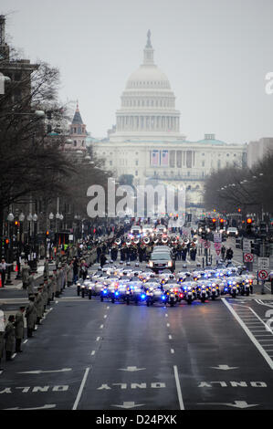 Service members from Joint Task Force - National Capitol Region begin the dress rehearsal of the presidential inaugural - Stock Photo