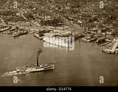 historical aerial photograph wharfs Washington, DC 1931 - Stock Photo