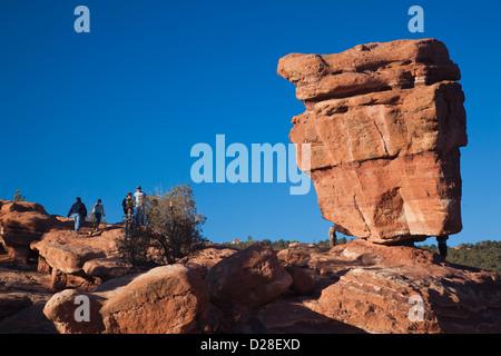 USA, Colorado, Colorado Springs, Garden of the Gods, Balanced Rock - Stock Photo