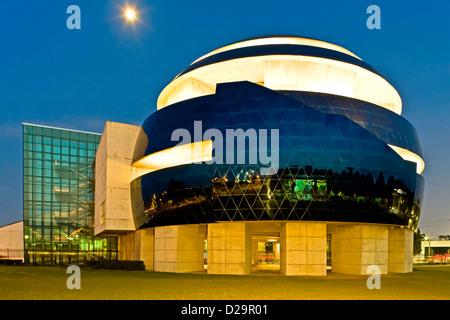 YY0005310088605 - Stock Photo