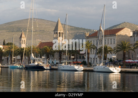 Elk192-2550 Croatia, Trogir, city from across water, with sailboats - Stock Photo