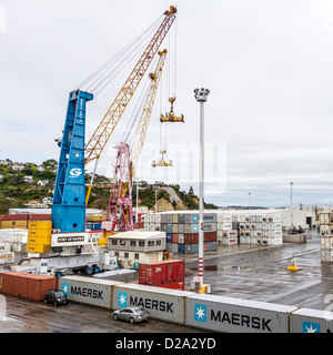 Handling containers at the Port of Napier,  New Zealand - Stock Photo