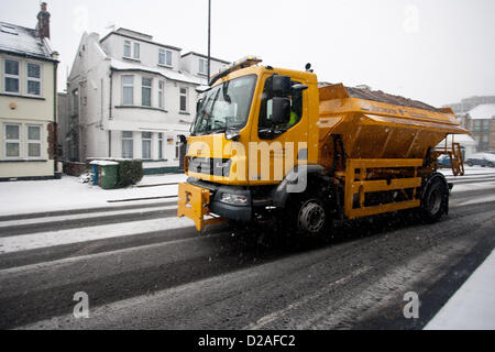 Harrow, London UK. 18th January 2013. (Pictured) A gritter truck on a icy road in London. Snow in Harrow and across - Stock Photo
