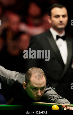 London, UK. 18th January 2013. Graeme Dott in action against Judd Trump during the Masters Snooker Quarter Finals - Stock Photo