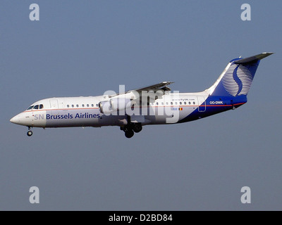 BAE Systems Avro 146-RJ100 Brussels Airlines OO-DWK landing at Zaventem - Stock Photo
