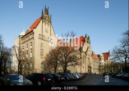 Berlin, Germany, Amtsgericht Wedding at Fountain Square in Berlin's Gesundbrunnen - Stock Photo