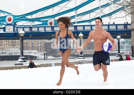 London, UK. 21st Jan, 2013. Hilton Hotel & Resorts create a pop-up beach resort on the day that many people consider - Stock Photo