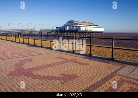 Cleethorpes Pier, North East Lincolnshire, England, UK. 9th January 2013. The pier and promenade - Stock Photo