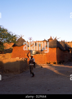 Village scene in Dogon Country, Mali, West Africa - Stock Photo