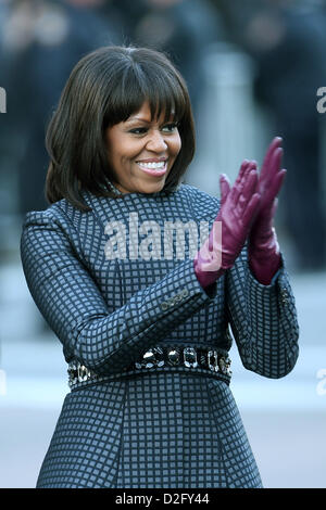 Washington DC, USA. 21st January 2013. First lady Michelle Obama walks the route as the presidential inaugural parade - Stock Photo