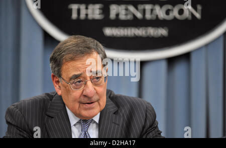 Arlington, Virginia, USA. 24th January 2013. US Secretary of Defense Leon Panetta answer questions after signing an order lifting the ban on women in combat roles during a press conference at the Pentagon January 24, 2013 in Arlington, VA.  Panetta and Dempsey discussed the new directive from the Pentagon to open all military occupations to females, removing the almost 20 year ban of women serving in combat on the front lines. Credit:  Planetpix / Alamy Live News Stock Photo