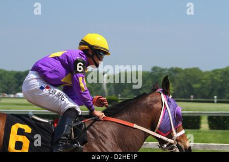 Albin Jimenez, jockey on horse six. Horse Racing at River Downs track, Cincinnati, Ohio, USA. - Stock Photo
