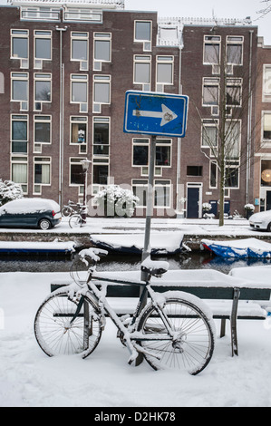 The Jordaan neighbourhood in Amsterdam has become a very trendy and arty area where also many expatriats choose - Stock Photo