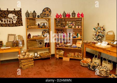 Azizi Life, handicrafts for sale, Muhanga, Rwanda - Stock Photo