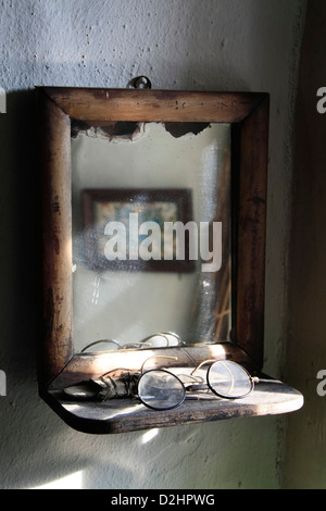 Vintage mirror in Orkney croft - Stock Photo