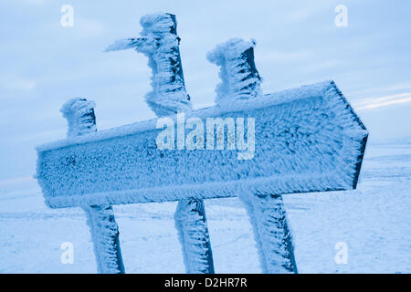 Peak District, UK. 24th January 2013. 24th January 2013. Sub-zero conditions continue across the UK as shown by - Stock Photo