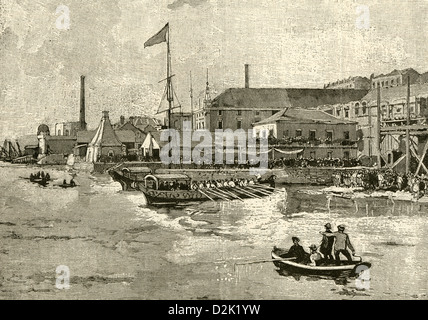 1890 engraving, Portugal - Dom Pedro, the Deposed Emperor of Brazil, Landing at the Arsenal at Lisbon. - Stock Photo