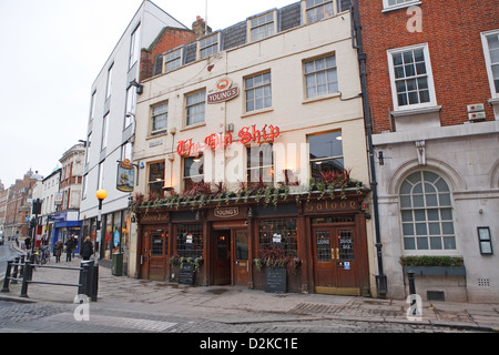 The Old Ship Public House in Richmond Surrey - Stock Photo