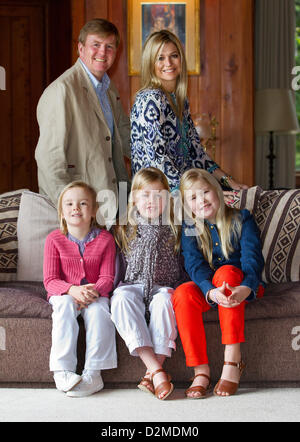 QUEEN BEATRIX OF THE NETHERLANDS ABDICATION FILE PIX: Prince Willem-Alexander, Princess Maxima, Princess Amalia, - Stock Photo