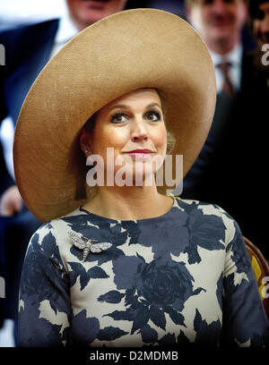 QUEEN BEATRIX OF THE NETHERLANDS ABDICATION FILE PIX: Dutch Princess Maxima visits the traditional water village - Stock Photo