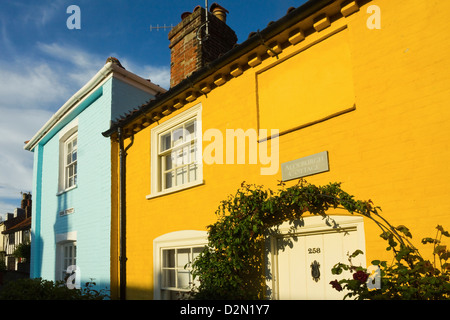 Colourful cottages at the south end of the High Street of this popular unspoiled seaside town, Aldeburgh, Suffolk, - Stock Photo