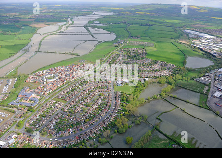 Aerial photograph of Tewkesbury with surrounding flooding - Stock Photo