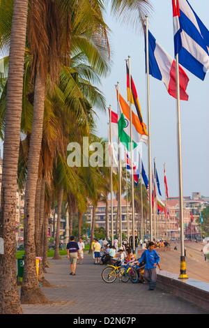Promenade, Sisowath Quay, Phnom Penh, Cambodia, Indochina, Southeast Asia, Asia - Stock Photo
