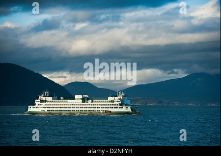 A Washington State Ferry sails from Anacortes, Washington to Friday Harbor on San Juan Island in the Puget Sound - Stock Photo