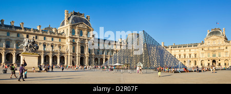 The Louvre art gallery, Museum and Louvre Pyramid (Pyramide du Louvre), Paris, France, Europe - Stock Photo