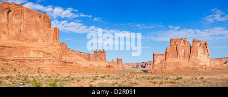 The Three Gossips and The Courthouse Towers rock formations, Arches National Park, near Moab, Utah, USA - Stock Photo