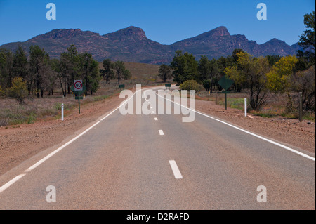 Road leading in the Flinders Range National Park, South Australia, Australia, Pacific - Stock Photo