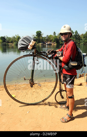 Koh Kong, Cambodia, Briton Joff Summerfield with his unicycle - Stock Photo