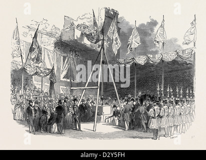 THE DUKE OF WELLINGTON LAYING THE FIRST STONE OF THE WATERLOO BARRACKS, AT THE TOWER OF LONDON, GREAT BRITAIN - Stock Photo