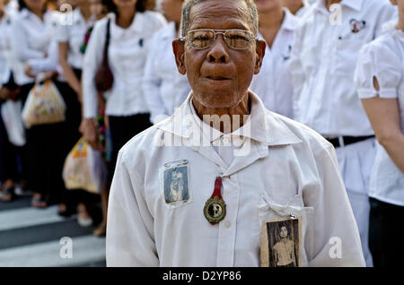Mourner in front of the Cremation on the date of  the late king Norodom Sihanouk's cremation,Phnom Penh,Cambodia,Monday - Stock Photo