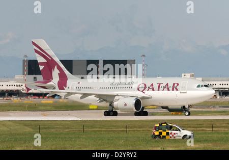 Qatar Airways (Qatar Amiri Flight), Airbus A310-308 - Stock Photo