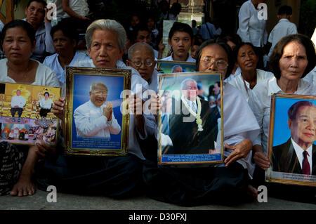 Phnom Penh, Cambodia. 4th February 2013. Cambodians Mourn the loss of King Norodom Sihanouk in Phnom Penh, Cambodia, - Stock Photo