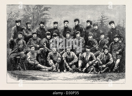 THE AUSTRIAN POLAR EXPEDITION: OFFICERS AND MEN OF THE EXPEDITION - Stock Photo