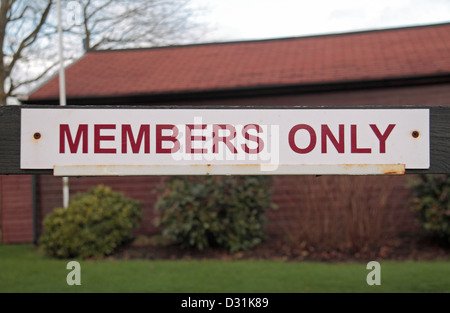 A 'Members Only' sign outside the Guards Polo Club, Windsor Great Park, Egham, UK. - Stock Photo