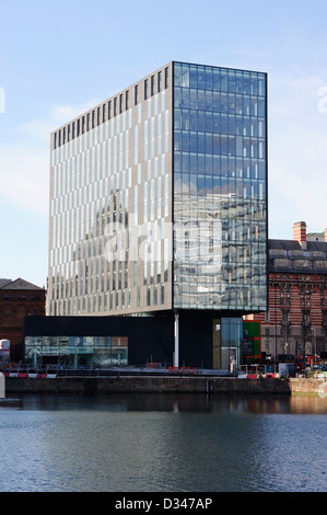 New commercial building on Mann Island situated on the Liverpool waterfront. - Stock Photo