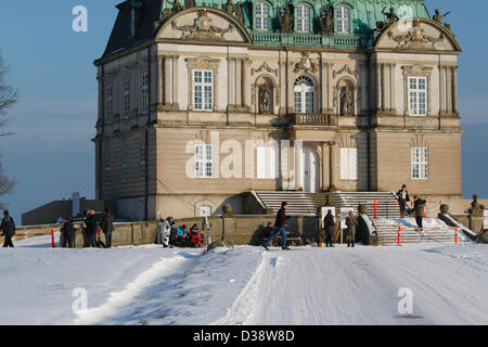 February, Wednesday 13, 2013 – Dyrehaven (The Hermitage) just north of Copenhagen. Resting at the Eremitage Palace. - Stock Photo