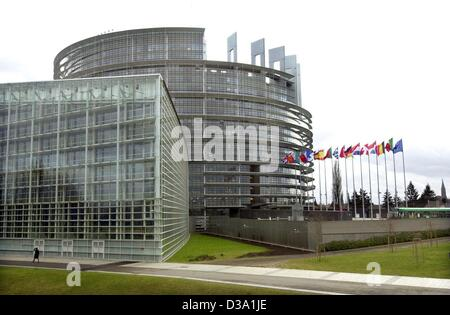 (dpa) - The building of the European Parliament in Strasbourg, 10 February 2002. - Stock Photo