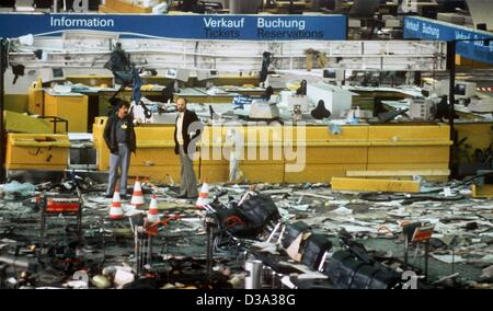 (dpa files) - View of the destroyed hall B after a bomb exploded at the airport in Frankfurt (Germany) on 19 June - Stock Photo